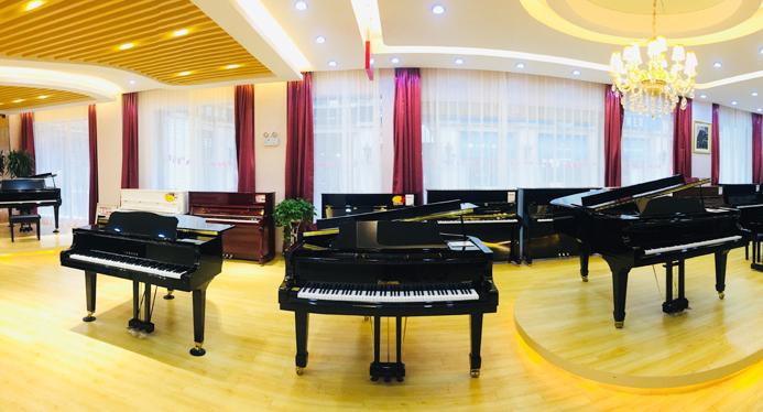 威性最高的钢琴销售企业;被美国音乐贸易评为全球225强琴行,列全球